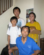 Sompong-and-family